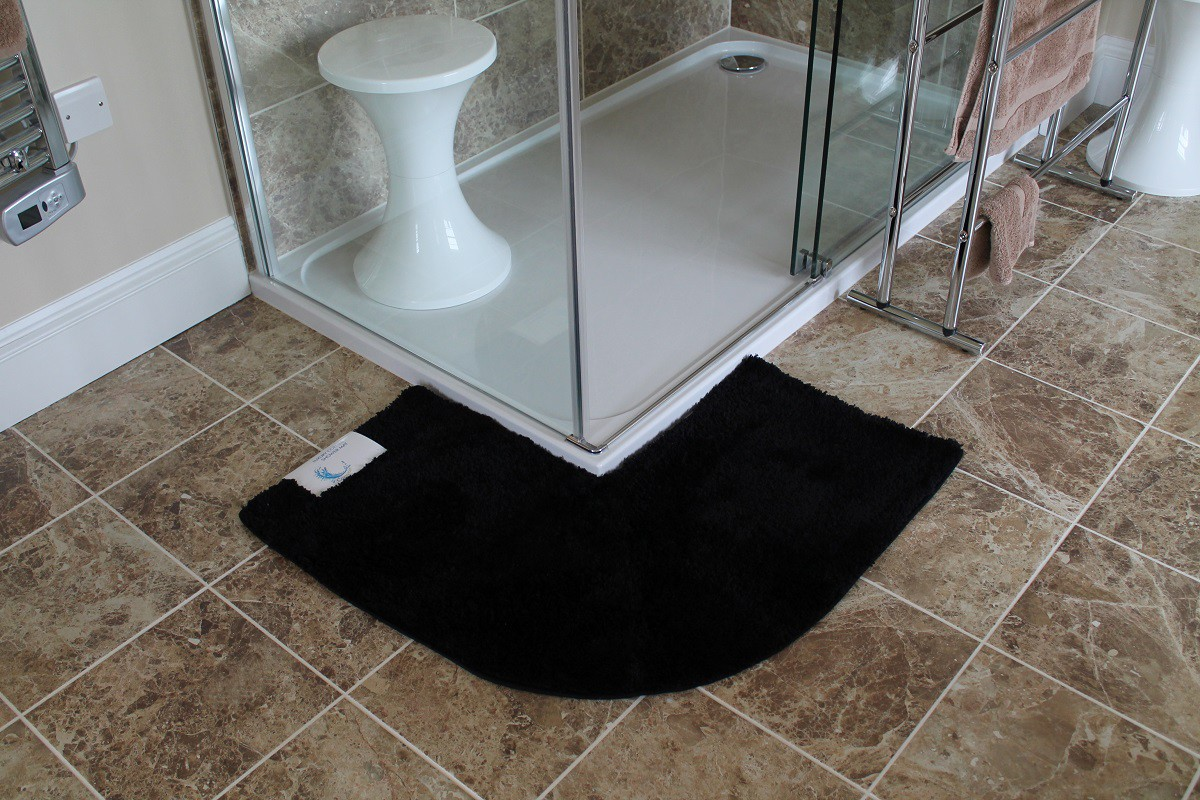tapis de bain pour douche arrondie carrelage design tapis. Black Bedroom Furniture Sets. Home Design Ideas